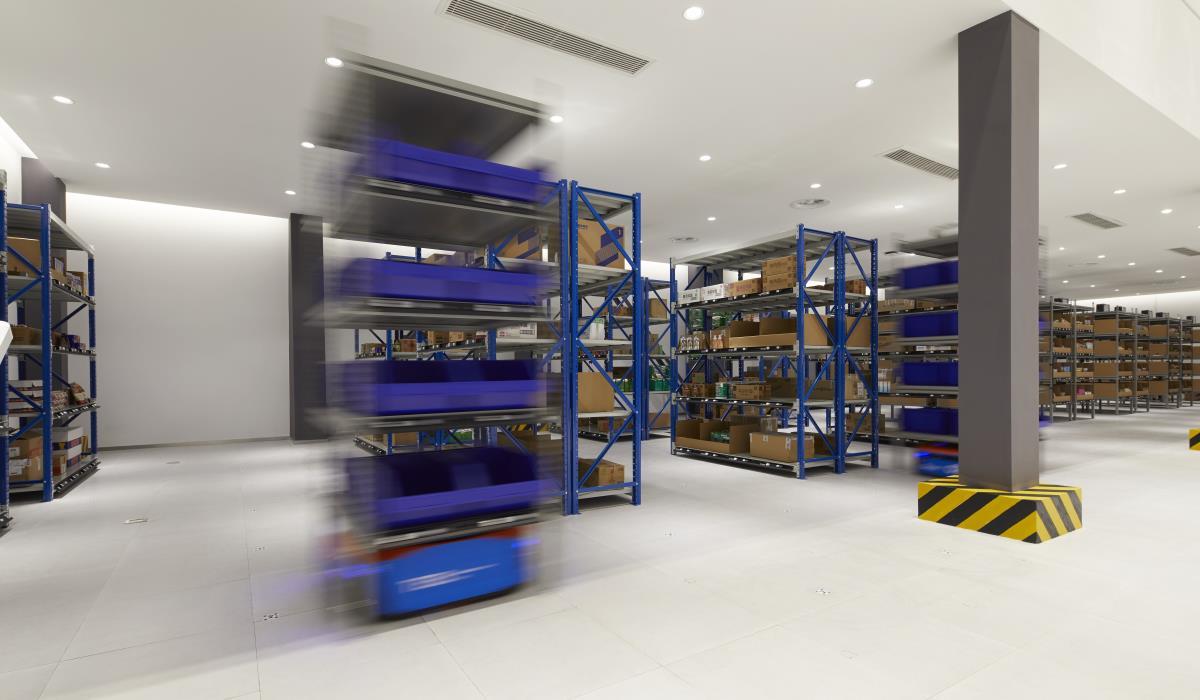 Cross-Border e-Commerce Establishment of End-to-End  Logistics Platform